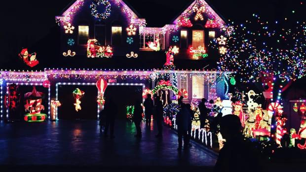 hangchristmaslights