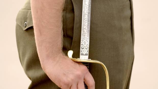 buying-a-marine-nco-sword