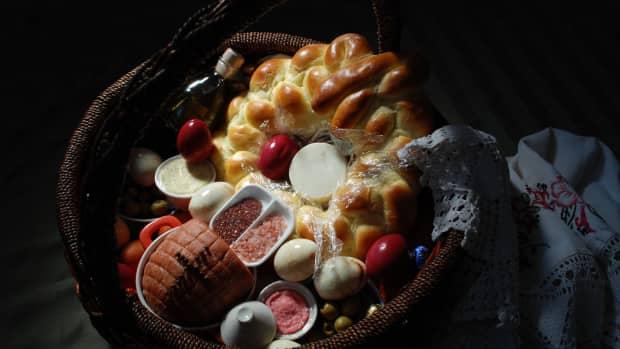 making-a-polish-easter-basket