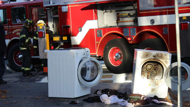 how-to-clean-dryer-ducts-and-prevent-a-fire