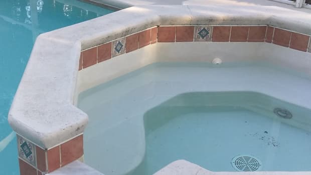 why-does-the-spa-drain-down-when-pool-pump-shuts-off