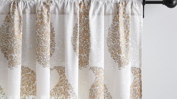 how-to-make-fabulous-diy-curtains-from-sheets
