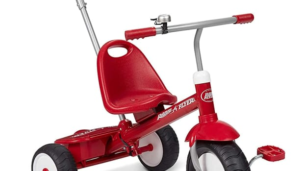 product-review-radio-flyer-deluxe-steer-and-stroll-trike