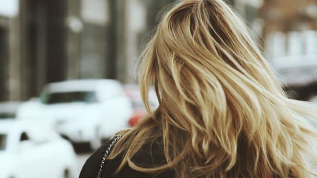 lighten-hair-with-hyrdrogen-peroxide
