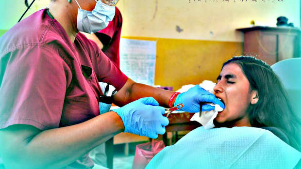 dental-implants-what-dentists-dont-tell-you-can-hurt