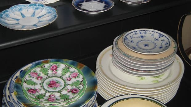 plates-collecting-antique-and-vintage-dishware