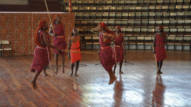 top-nairobi-tourist-attractions-nairobi-national-park