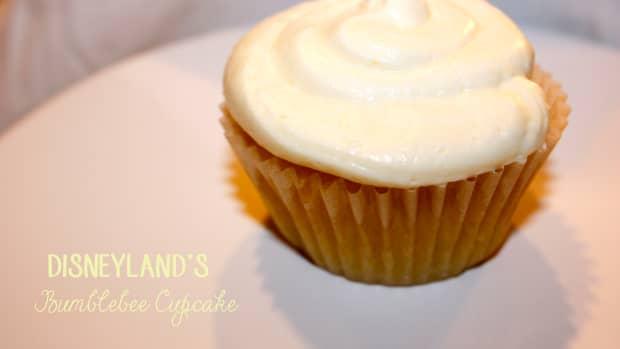 disneylands-bumblebee-cupcake