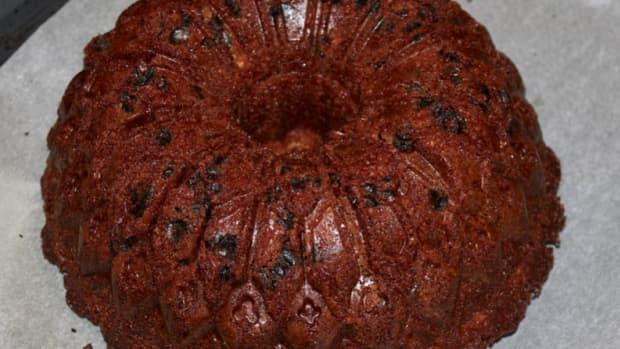 bundt-pan-recipes-priscillas-perfectly-pleasing-holiday-prune-cake