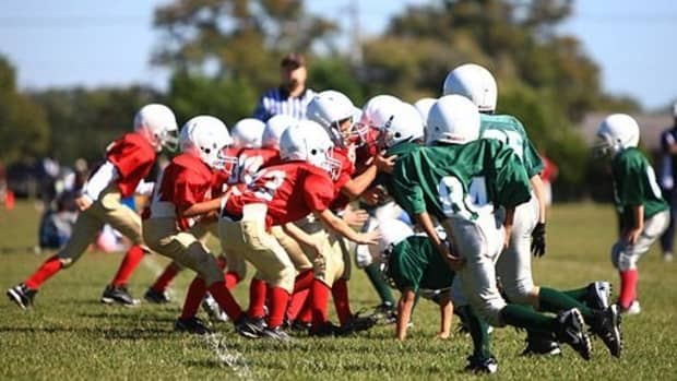 4-things-to-know-before-you-sign-up-your-child-for-youth-football