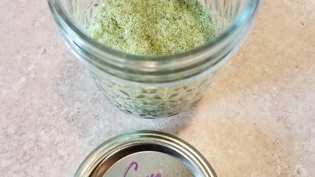 making-homemade-corn-silk-spice