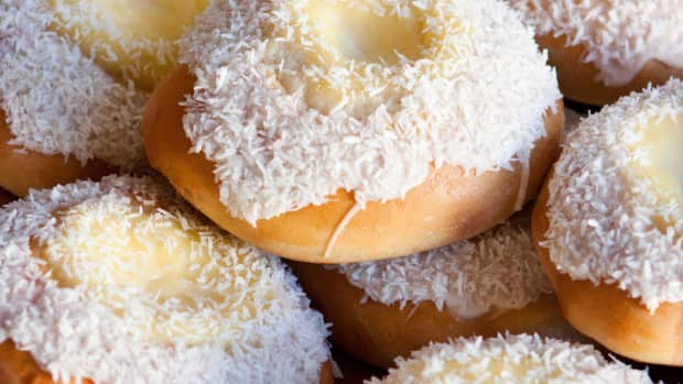 easy-to-make-skolebrd-norwegian-custard-buns