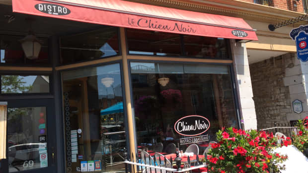 review-of-le-chien-noir-in-kingston-ontario