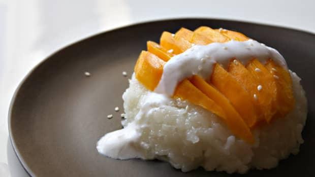 coconut-sticky-rice-with-mango-recipe