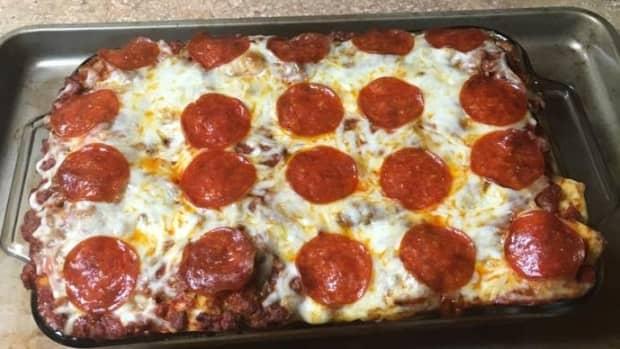 garlic-knot-pizza-bake