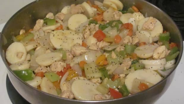 chicken-curry-skillet-with-vegetables-and-potatoes