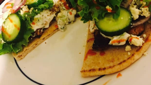greek-turkey-burgers-with-homemade-tzatziki-sauce