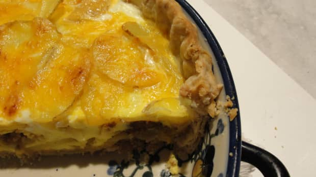 bacon-and-potatoes-breakfast-quiche