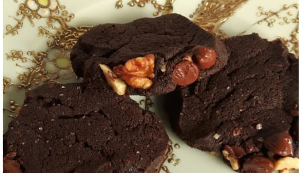 the-ultimate-plastic-bag-salted-chocolate-cookies