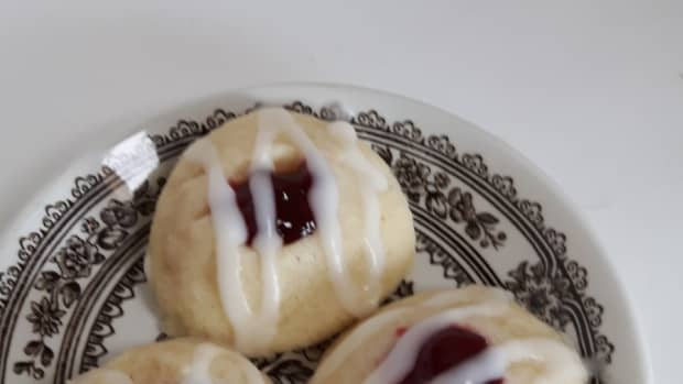 the-ultimate-plastic-bag-melt-in-your-mouth-glazed-raspberry-thumbprint-cookies
