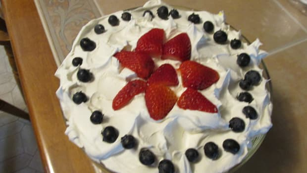 strawberry-blueberry-triffle-adult-version