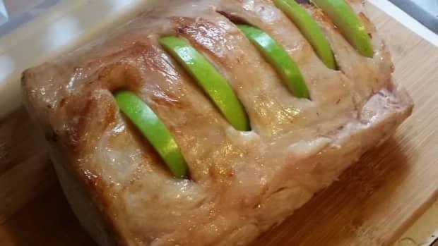 cinnamon-apple-slow-cooker-pork-roast