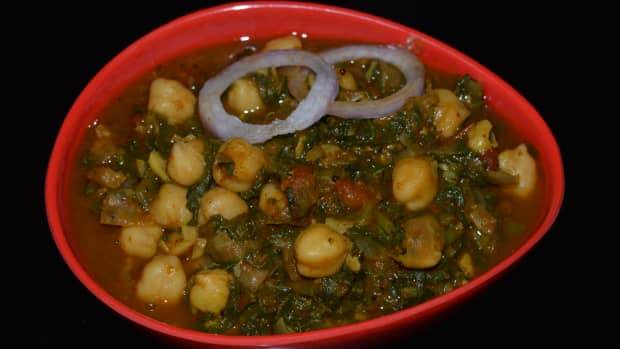 spicy-spinach-and-chickpeas-curry-palak-chole-recipe