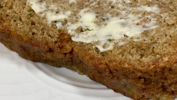vegan-zucchini-bread-recipe-gluten-free-option