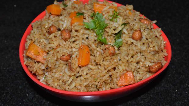making-puliyogare-or-tamarind-rice