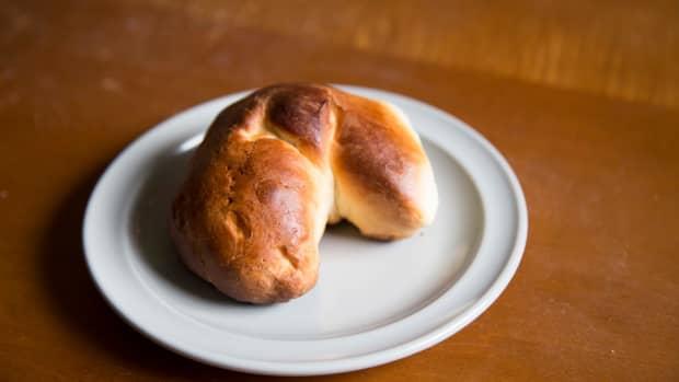 lets-make-brioche-a-simple-breakfast-treat
