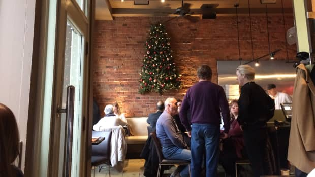 review-of-woodenheads-in-kingston-ontario