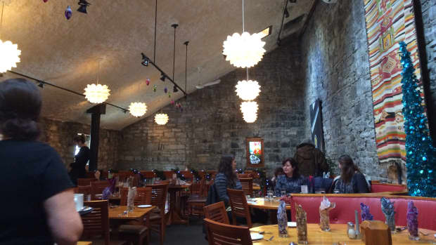 review-of-chez-piggy-in-kingston-ontario