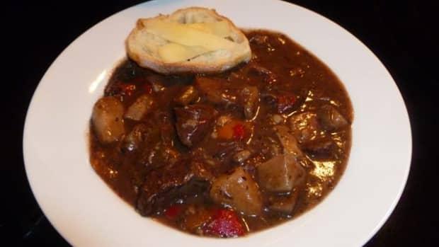 savory-sirloin-and-roasted-garlic-stew