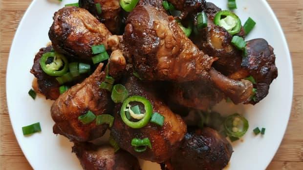 easy-slow-cooker-jerk-chicken-drumsticks