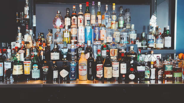 ive-classic-cocktails-that-every-bartender-knows-and-every-good-party-host-should