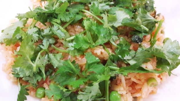 easy-vegan-tomato-fried-rice-recipe