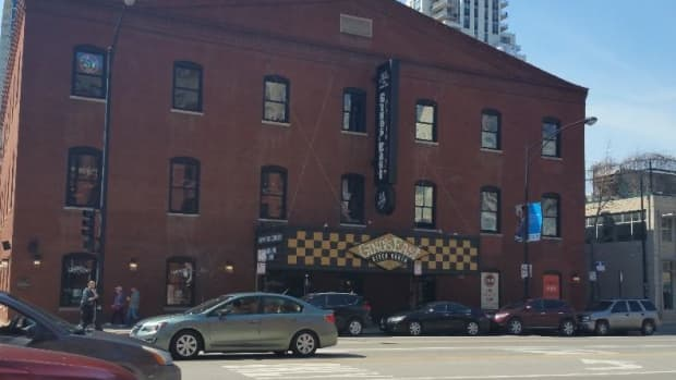 best-of-chicago-deep-dish-pizza