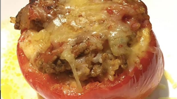 slow-cooked-beef-rice-and-tomato-stuffed-capsicums-bell-pepper