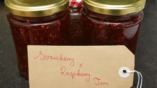 simple-and-easy-strawberry-raspberry-jam-recipe