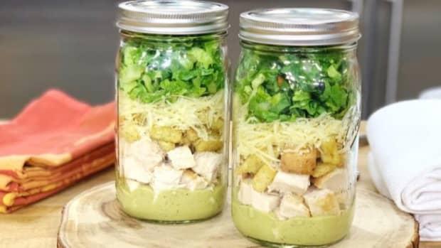 make-your-next-chicken-caesar-salad-in-a-mason-jar