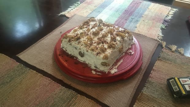 chocolate-walnut-cake-with-whipped-cream-topping-recipe