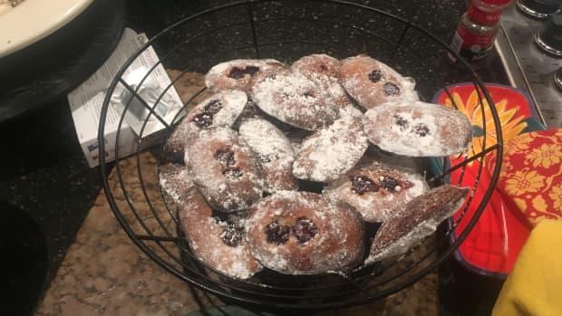 peach-and-blackberry-madeleines-recipe