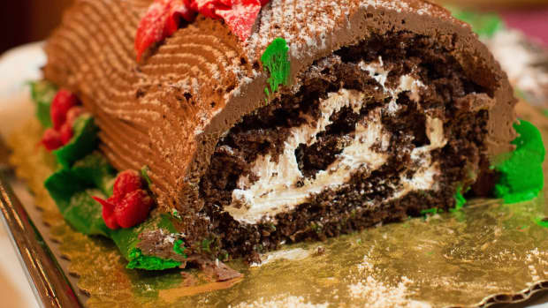 history-of-the-yule-log-and-how-to-make-your-own