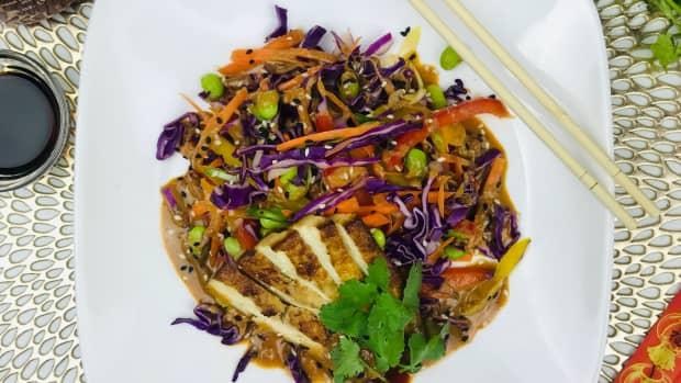 rainbow-salad-with-a-spicy-peanut-dressing