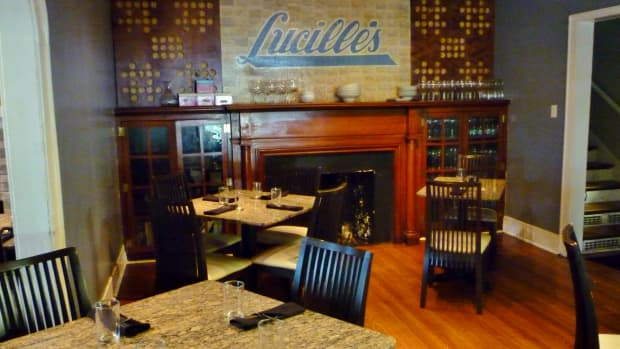 lucilles-best-southern-restaurant-award-in-houston