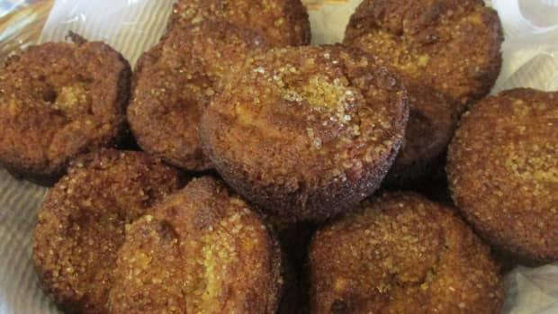 low-carb-almond-flour-apricot-muffins