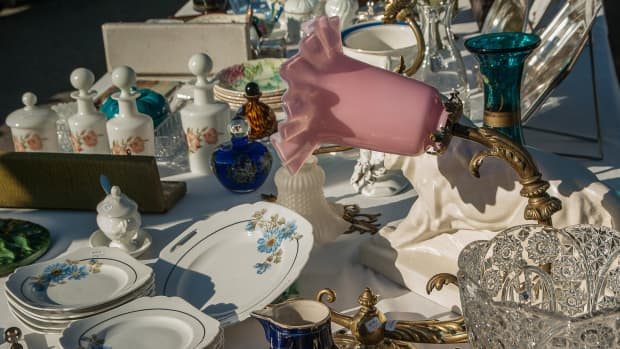 10-tips-for-making-money-at-your-next-garage-sale
