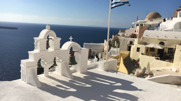 travel-to-santorini-helpful-tips-you-need-to-know