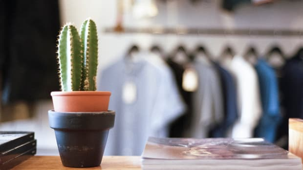 how-to-shop-at-a-thrift-store