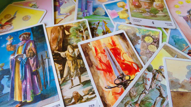 create-your-own-tarot-spells-and-rituals